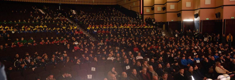 teatro-italia-gremito-per-il-via-al-torneo